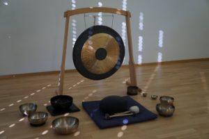 Tai-Chi-Zuerich-Gong und Klangschalen